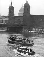 ******** Sir Winston Churchill's coffin on the way to Festival Pier on a launch, London, 1965.